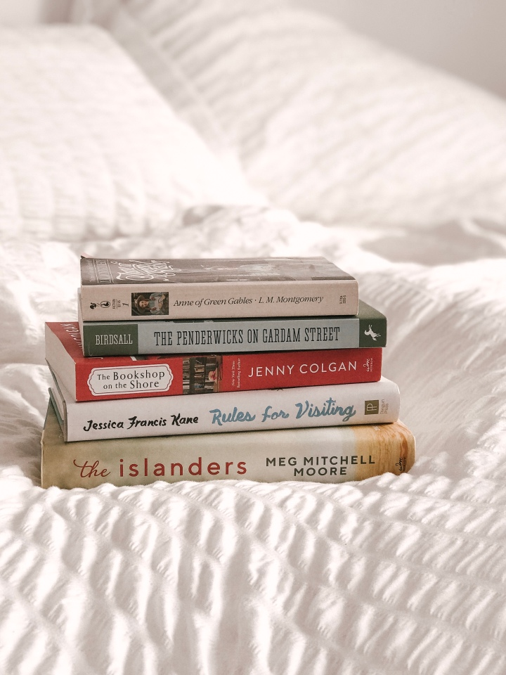 5 cozy reads for a beach vacation